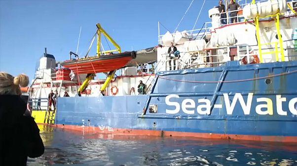 Sea Watch3: ancora bloccata al largo di Siracusa
