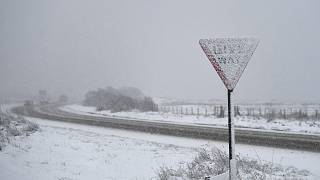 Yellow warnings for snow and ice issued in UK, travel disruptions expected