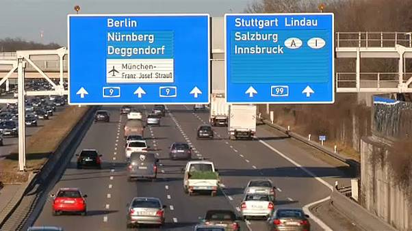 Marad a száguldozás a német autópályákon