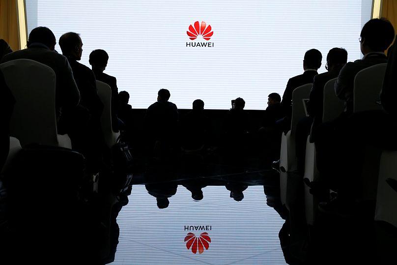 Amerikai vádemelési javaslat a Huawei ellen (VIDEÓ)