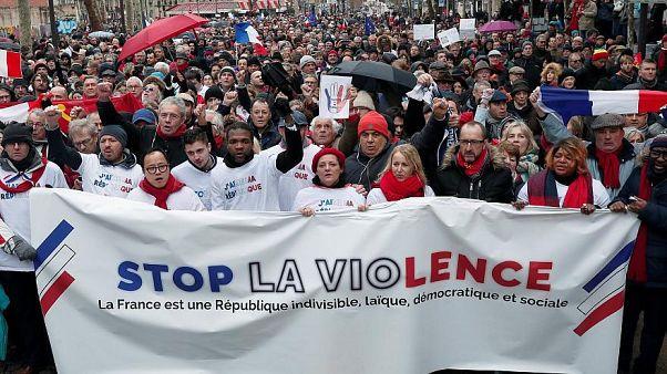 «شال قرمزهای» فرانسه چه کسانی هستند؟