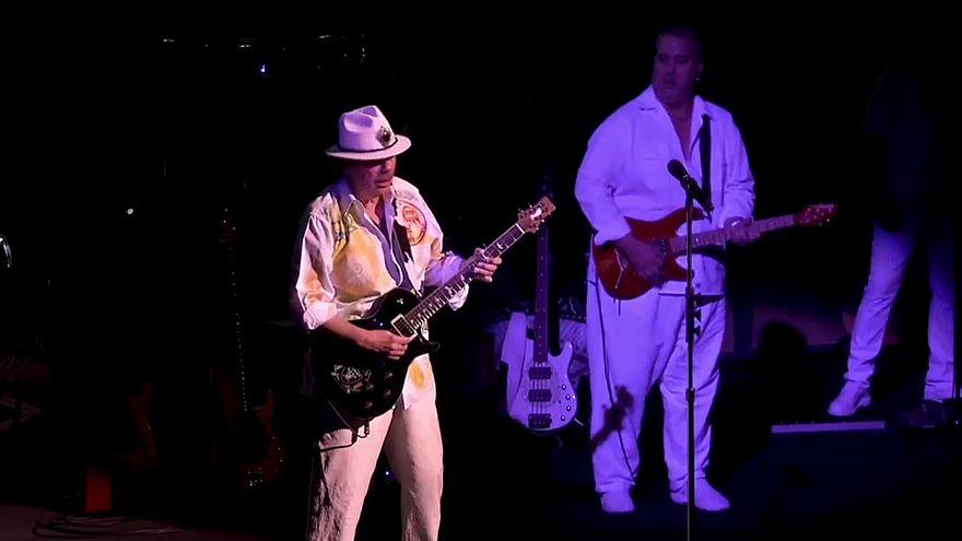 Turnéra indul Carlos Santana