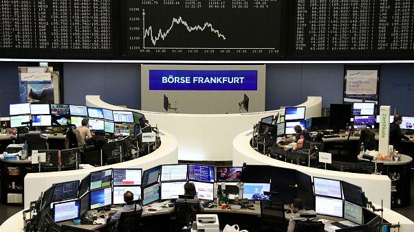 المستثمرون يبحثون عن ملاذات آمنة عقب إرتفاع الأسهم الأوروبية
