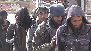 En Syrie, la recherche de djihadistes parmi les déplacés