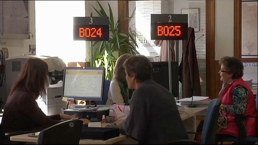 Taxa de desemprego em Espanha desceu para os 14,45%