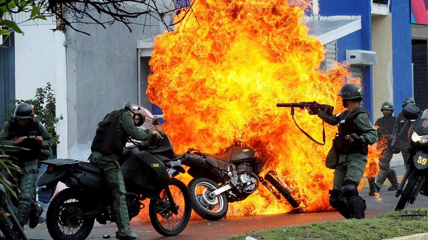 Venezuela'da gösterilere güvenlik güçlerinin müdahalesi