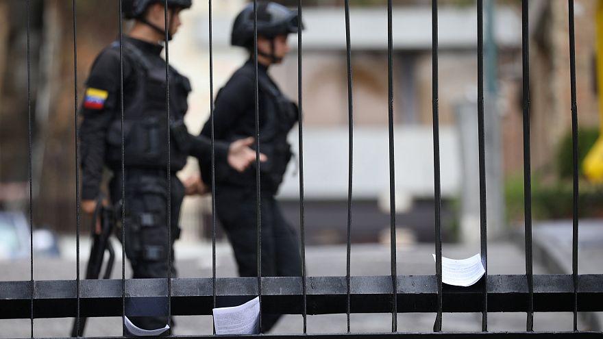 Detenidos dos periodistas franceses y un equipo periodístico de la agencia EFE en Caracas