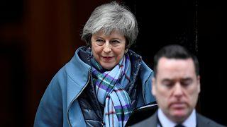 Theresa May AB ile Brexit'i yeniden müzakere etmek istiyor