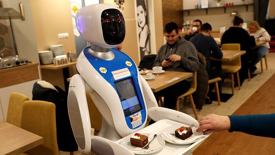 Budapeş'tenin robot garsonları