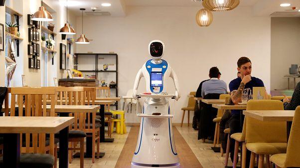 Budapest: Roboter servieren Kaffee