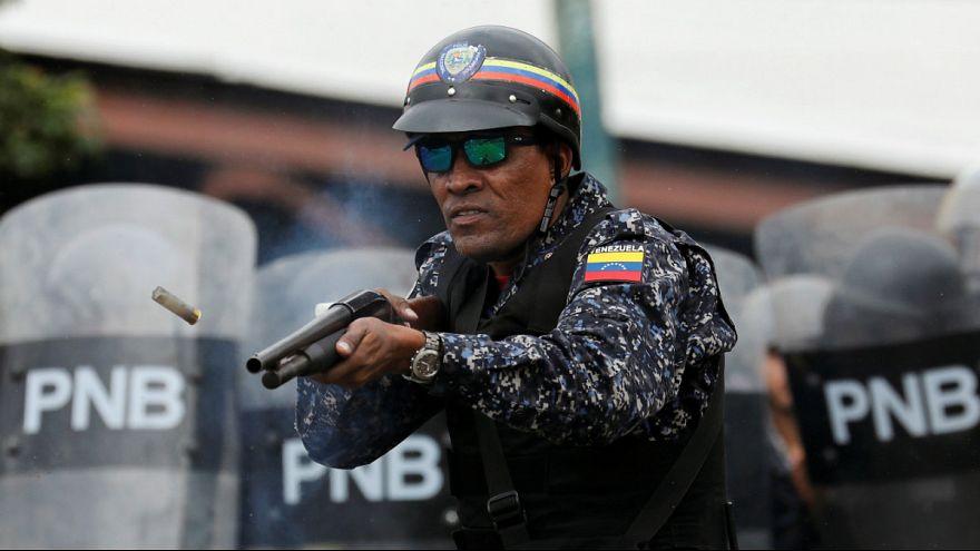 شلیک پلیس ونزوئلا به سوی تظاهرکنندگان
