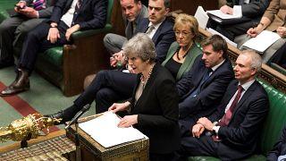 Brexit, passano la modifica al backstop e il no all'uscita senza accordo