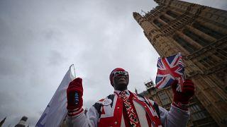 """""""План Б"""": что происходит в британском парламенте?"""