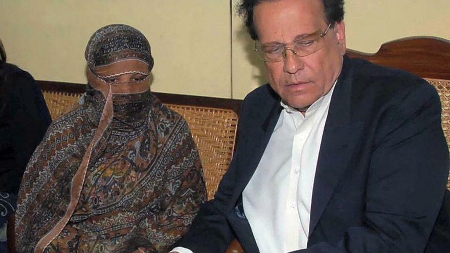 Осуждённой и помилованной христианке разрешили покинуть Пакистан