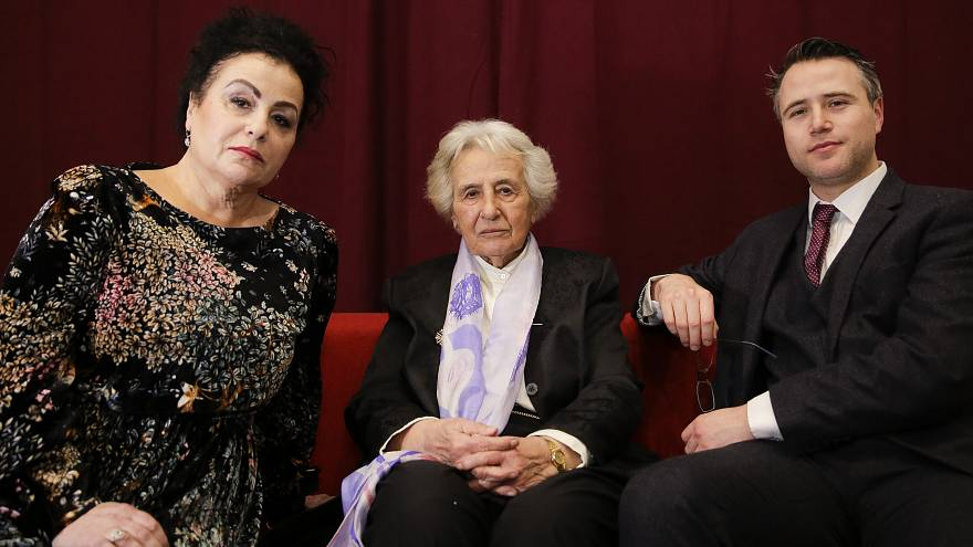 Anita Lasker-Wallfisch, centre, with her daughter and grandson