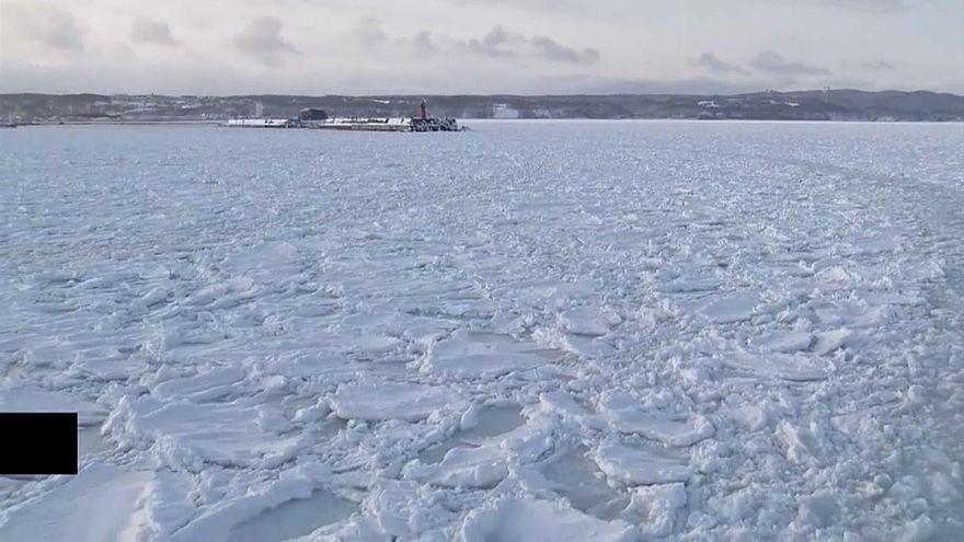 К побережью Хоккайдо прибило лед