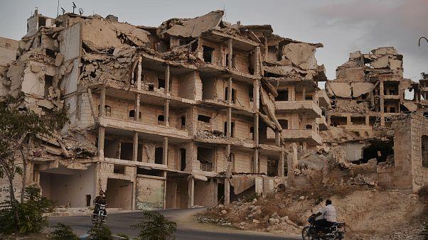 رغم الهدنة.. مقتل أكثر من عشرة في قصف للجيش السوري على إدلب