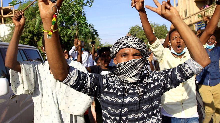 مدير الأمن والمخابرات السوداني يأمر بالإفراج عن المعتقلين خلال الاحتجاجات