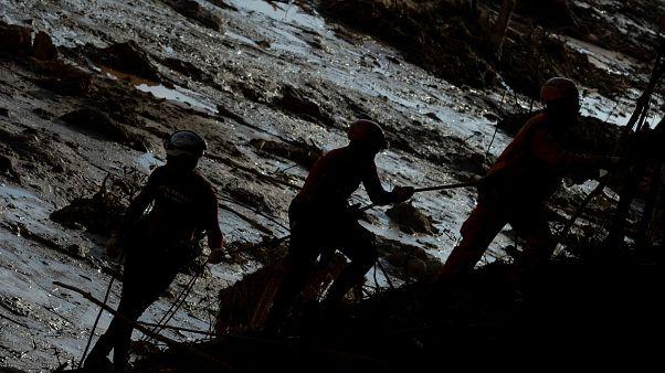 Brezilya'da baraj çökmesi: Ölü sayısı 99 oldu, 276 kişi aranıyor
