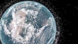Dünya'nın üst yörüngesinde bir çöp torbası tespit edildi