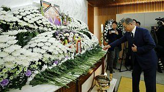 تعظیم رئیس جمهور کرهجنوبی بر خاکستر برده جنسی