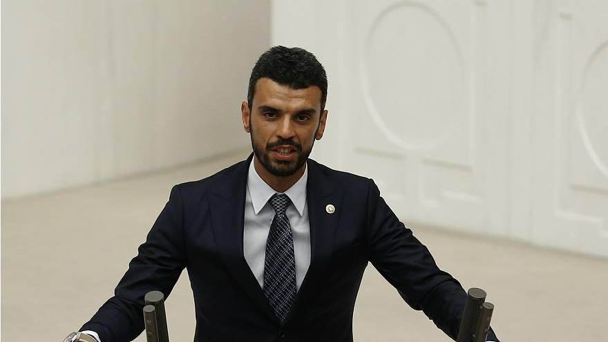 Ak Partili Sofuoğlu'nun 'senatör' kartvizitine inceleme