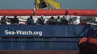 Desembarque à vista para migrantes do Sea-Watch