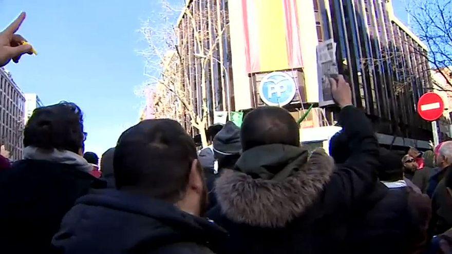 Los taxistas madrileños exigen interponer tiempo y distancia con los VTC para poner fin a la huelga