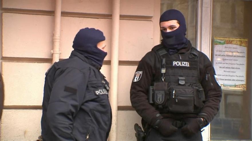 Refugee trio arrested in Germany over terrorist plot