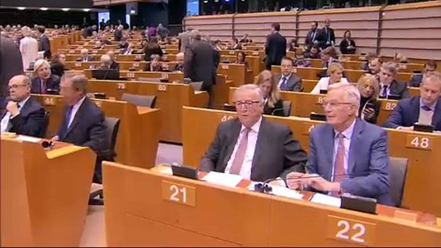 """Políticos europeus explicam """"não"""" à renegociação do Brexit"""