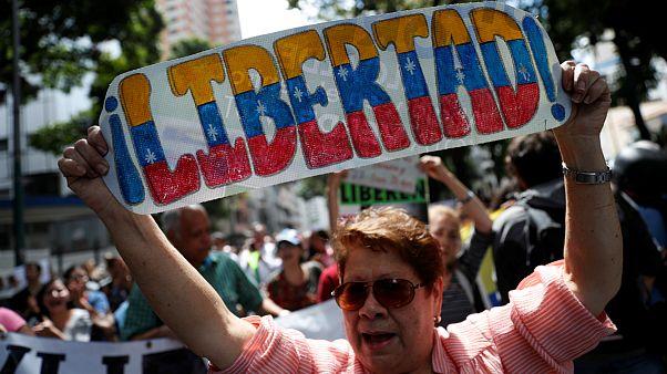 ونزوئلا، استقبال و حمایت دونالد ترامپ از تظاهرات بزرگ مخالفان