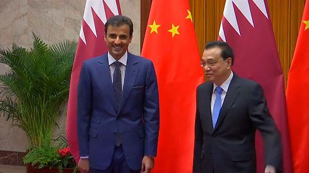 أمير قطر مع رئيس مجلس الدولة الصيني تشيانغ