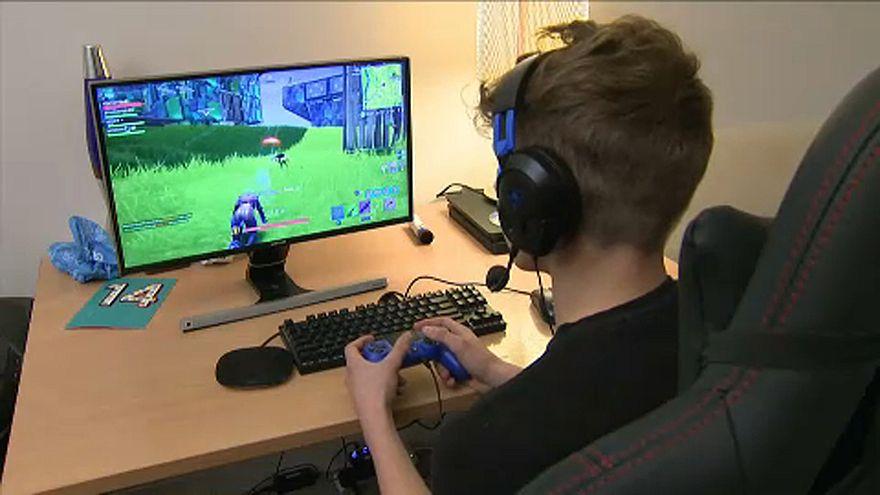 الألعاب الإلكترونية قد تعزز الشعور بالوحدة لدى المراهقين.. فورتنايت مثالاً