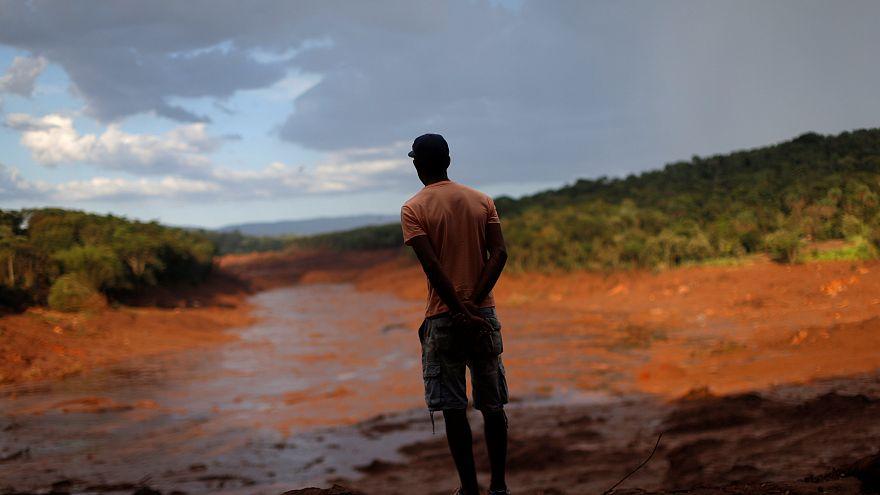 El colapso de un dique minero en Brasil deja 99 muertos