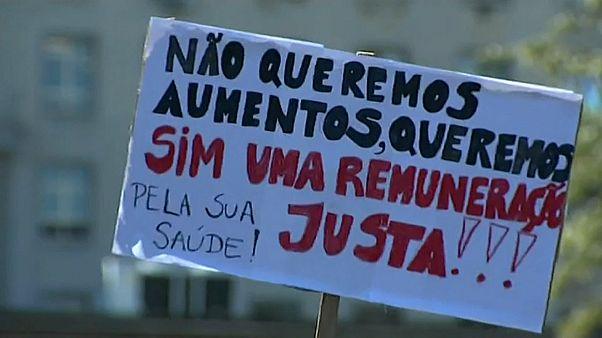 Enfermeiros portugueses iniciam greve de um mês