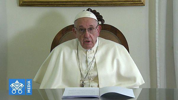 Alla vigilia del viaggio del Papa negli Emirati Arabi