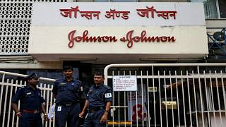 سريلانكا توقف استيراد بودرة جونسون آند جونسون حتى تثبت خلوها من مادة الأسبستوس المسببة للسرطان