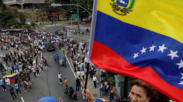 البرلمان الأوروبي يعترف بغوايدو رئيسا مؤقتا لفنزويلا