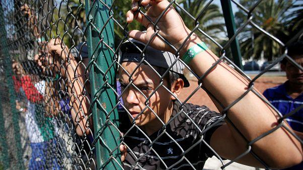 غذای اجباری اداره مهاجرت آمریکا برای شکستن اعتصاب غذای پناهجویان