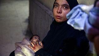 Suriyeli anne ve aç kalan çocuğu