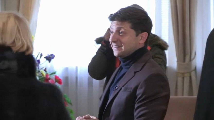 Ukraine: Komiker im Präsidentschaftsrennen vorn