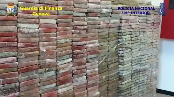 الكشف عن 2.1 طن كوكايين داخل حاوية بإسبانيا في أكبر عملية تهريب منذ 25 سنة
