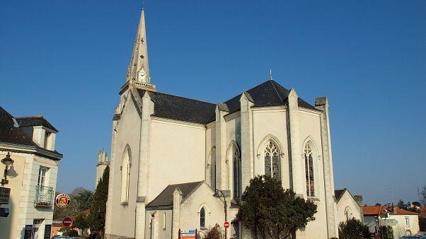 هولندا: كنيسة تأوي أسرة لاجئة مدة 96 يوما بهدف حمايتها من الترحيل