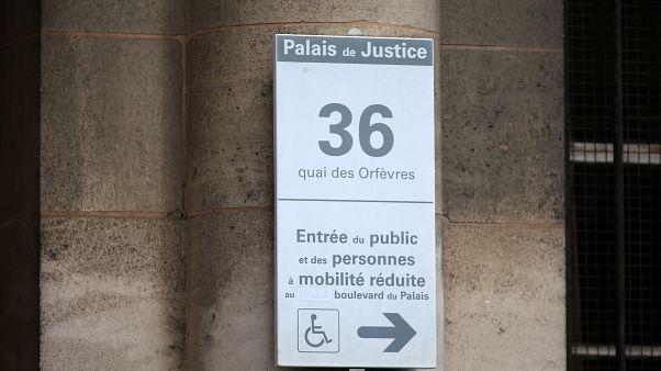 """Viol d'une Canadienne au """"36"""" à Paris : 7 ans de prison pour 2 policiers"""