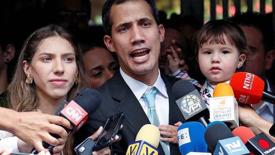 Maduro'nun yerine kendini başkan ilan eden Guaido: Polis evime geldi