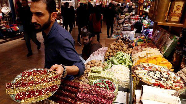 Araştırma: Türkiye'de yaşamaktan en mutlu seçmen AK Partililer