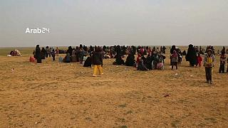 المقاتلون الأكراد السوريون يحاربون داعش في جيبها الأخير في شرقي سوريا