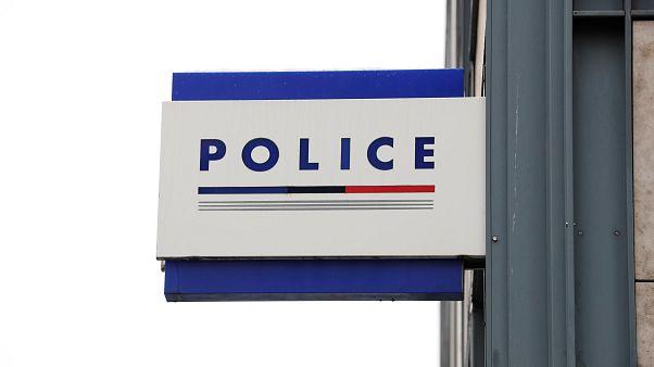 Fransa'da Kanadalı turiste tecavüz eden iki polise 7 yıl hapis cezası