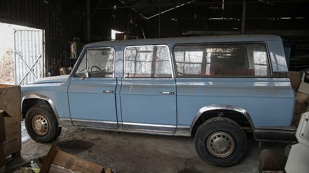شاهد: سيارة ديكتاتور رومانيا السابق للبيع في مزاد علني.. ولا مشتر
