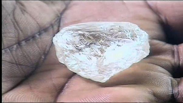 7 diamantes rendem 16,7 milhões de dólares a Luanda